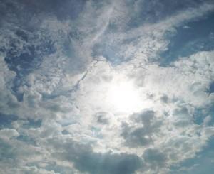 太陽と雲001.jpg